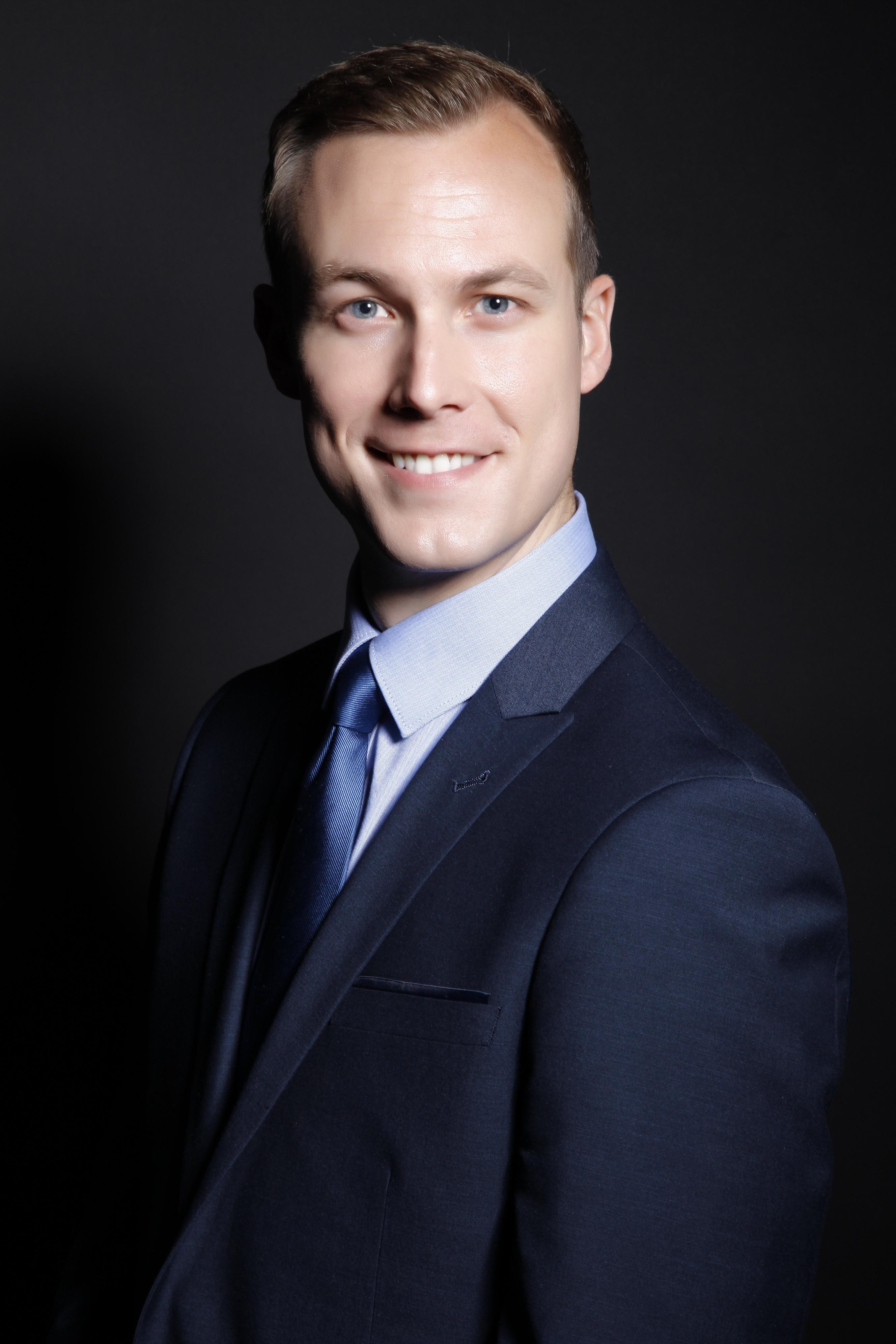 Stephen Larsen, MD